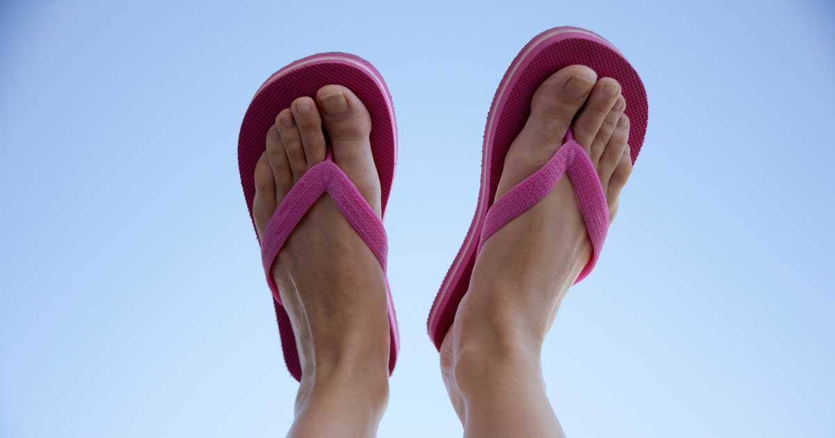 Driving in flip flops isn't an offence, but driving ...